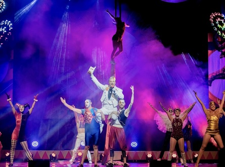 Peter Corry: Roll Up, Roll Up The Showman is Coming