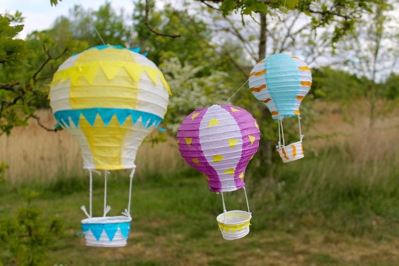 Fly Away! Hot Air Balloon Lanterns (4-8yrs)