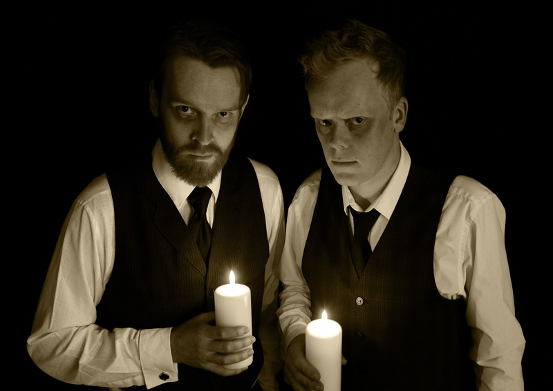 Griffin & Jones: Talking to the Dead – A Séance